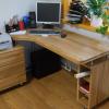 49500 руб. Компьютерный стол. Массив дуба. Цвет бесцветный лак.